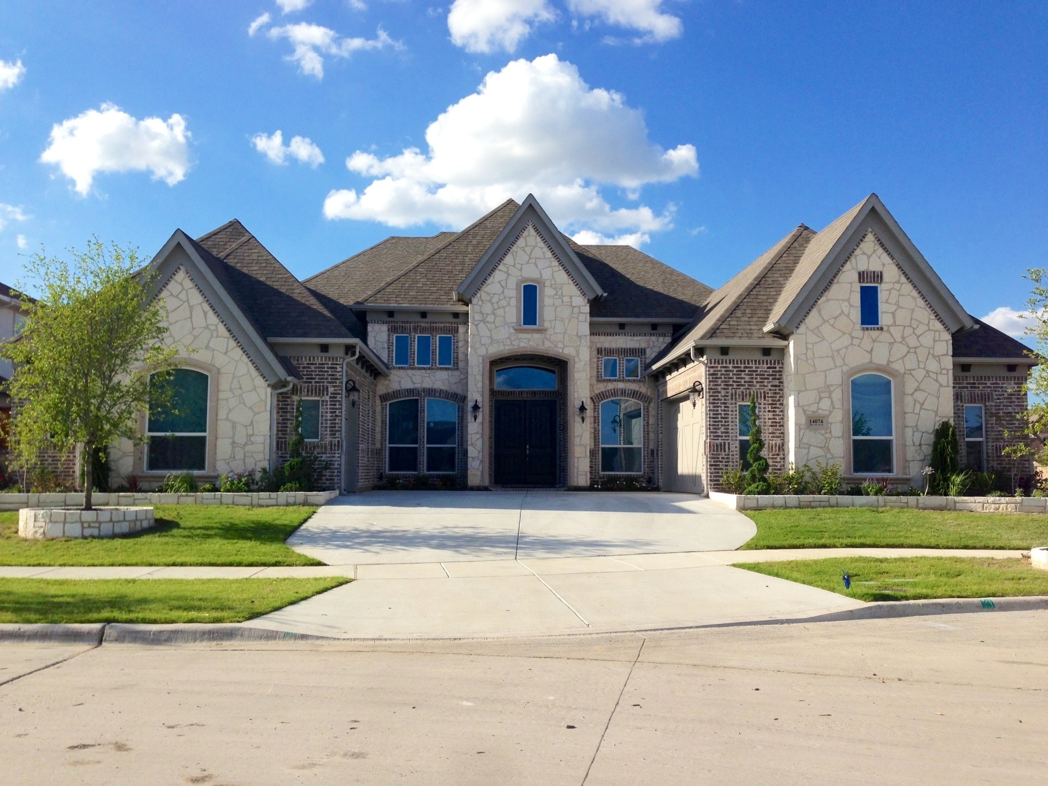 4,000 Foot One-story In Richwoods In Frisco