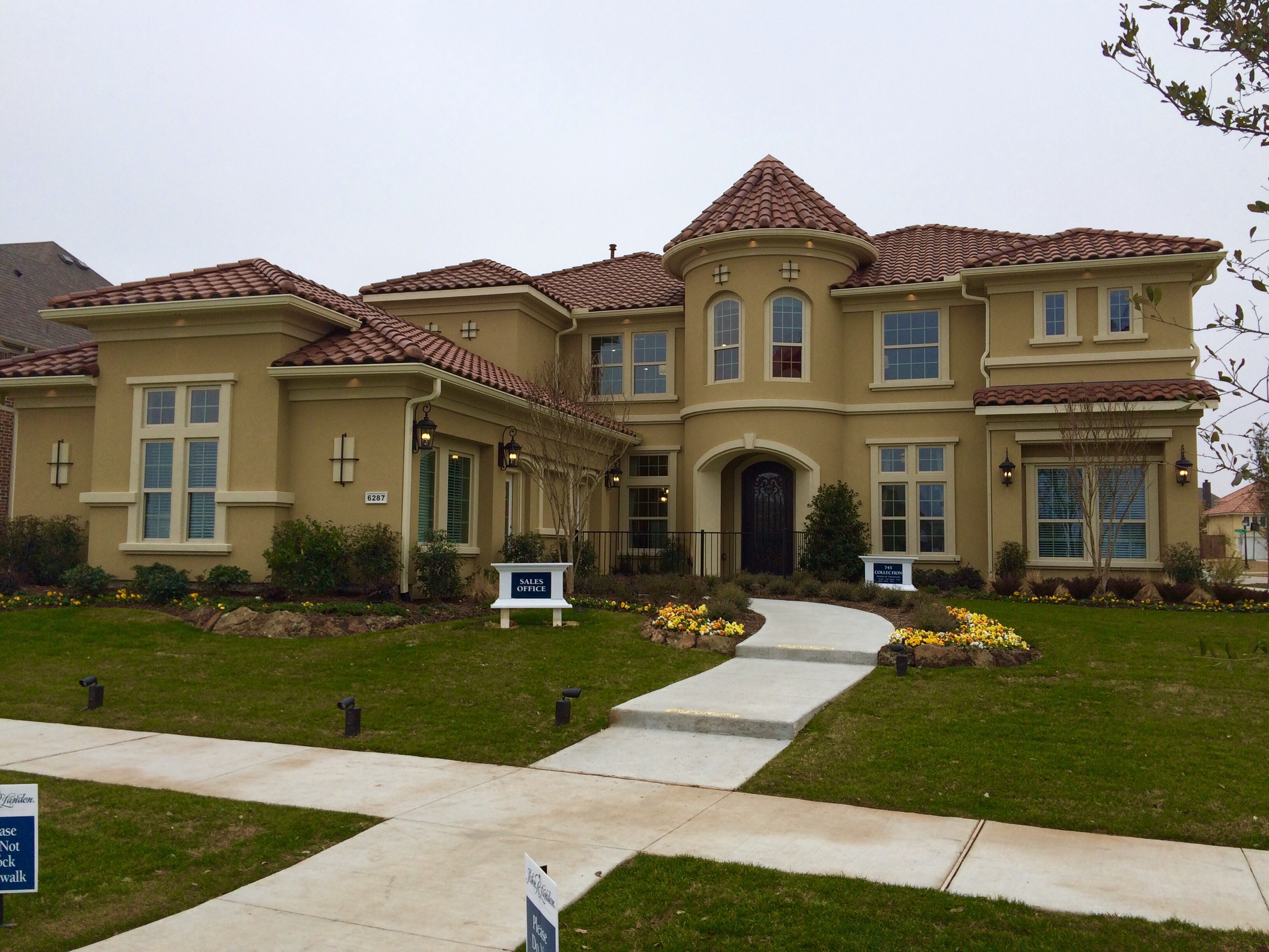John R Landon Homes At In Frisco Has Added A Beautiful Stucco Home To